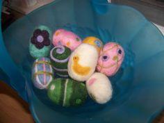 Needlefelted wool eggs
