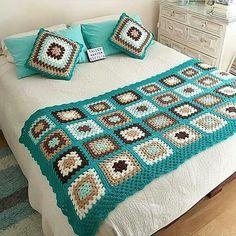 Latest Ideas For Crochet Designs Crochet Bedspread Pattern, Crochet Quilt, Granny Square Crochet Pattern, Crochet Squares, Crochet Home, Crochet Blanket Patterns, Baby Blanket Crochet, Crochet Motif, Diy Crochet