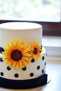 Sunflower cake - Cake by FreshCake Sonnenblumenkuchen - Kuchen von FreshCake Sunflower Birthday Parties, Sunflower Party, Sunflower Cakes, Sunflower Baby Showers, Birthday Cakes For Teens, 18th Birthday Cake, Birthday Cupcakes, Birthday Ideas, Birthday Decorations