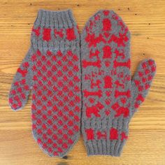 Ravelry: Dog Days Mittens pattern by Kat Lewinski            Dog walking mittens!