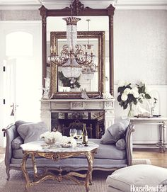 Pretty French daybed in front of fireplace. Interior design by Annie Brahler Home Design, Design Design, Design Ideas, Layout Design, Design Projects, Beautiful Interiors, Beautiful Homes, House Beautiful, Beautiful Mirrors