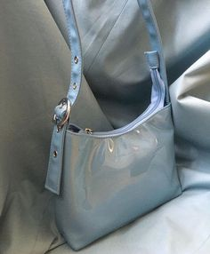 Discover recipes, home ideas, style inspiration and other ideas to try. Vintage Bags, Vintage Handbags, Aesthetic Bags, Lv Bags, Cute Purses, Mini Purse, Cute Bags, Purses And Handbags, Fashion Bags