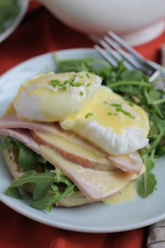 Use up your leftover Thanksgiving turkey and make this Eggs Benedict with a BLENDER hollandaise sauce. So easy and no hand whisking required! #holidays #brunch #eggsbenedict
