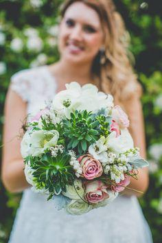 #theevokecompany #bride #wedding #weddigphotography #weddingflowers #bouquet #roses #succulents #ranunculas #anemone #vintage #whiteflowers White Flowers, Wedding Flowers, Succulents, Groom, Bouquet, Roses, Wedding Photography, Table Decorations, Bride