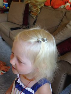 07075767a81d This is my year old wearing a mini flexi clip. She has very fine thin hair.