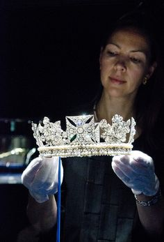 The Diamond Diadem by The British Monarchy