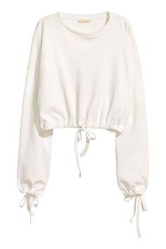 H&M Short Drawstring Sweatshirt Girls Fashion Clothes, Teen Fashion Outfits, Girl Fashion, Fashion Design, Paris Fashion, Cute Comfy Outfits, Cool Outfits, Jugend Mode Outfits, Cut Sweatshirts