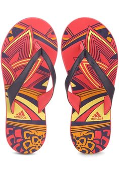 eae5ed71298b7d Enjoy summers in style wearing these  Irin  flip-flops for women from  adidas.