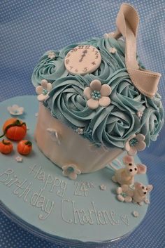 by Cutie Cupcakes (aka Heather), ❥… Gorgeous Cakes, Pretty Cakes, Cute Cakes, Amazing Cakes, Big Cupcake, Giant Cupcake Cakes, Cupcake Cookies, Party Cupcakes, Fete Julie