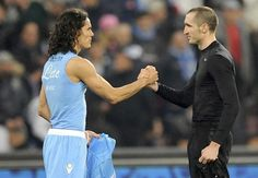 Chiellini vs Cavani Juventus Fc, Holding Hands, Sports, Icons, Hand In Hand, Hs Sports, Sport, Exercise, Icon Set