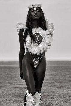 Look at this goddess! Beautiful Dark Skinned Women, Beautiful Black Women, Black Girls Rock, Black Girl Magic, Black Goddess, Dark Skin Beauty, Black Girl Aesthetic, Black Women Art, Ebony Beauty