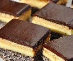 Prajitura Tosca – Cum se face in Ardeal Romanian Desserts, Romanian Food, Square Cakes, Food Cakes, Savoury Cake, Cake Cookies, Cookie Recipes, Sweet Treats, Cheesecake