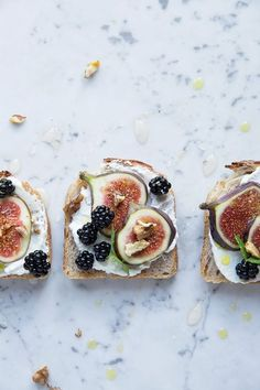 Toast with Figs & Blackberries