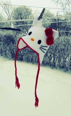 hello kitty hat - My daughter has requested that I make her one of these.