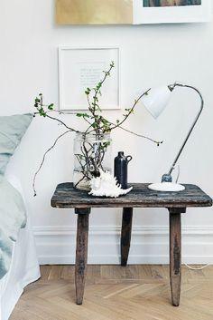 Scandinavian Home Design Ideas Using Table Lamps | Home Design Ideas #homedecor #homedesign #tablelamps See more here: http://www.homedesignideas.eu/scandinavian-home-design-ideas-using-table-lamps/