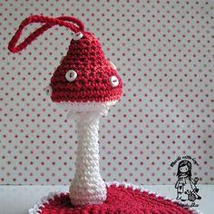 crochet mushroom.  Pattern ? 6/14.