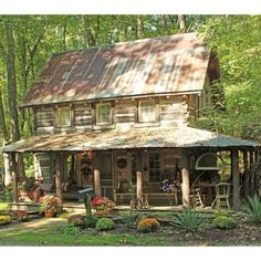 Best Small Log Cabin Ideas With Awesome Decoration 10 Old Cabins, Log Cabin Homes, Cabins And Cottages, Cabins In The Woods, Small Log Cabin Plans, Building A Small Cabin, Small Log Homes, Cabana, Little Cabin