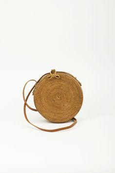 KokoKarma Round Ata Bag Rattan Handwoven Roundbag moderne Dirndltasche Trachtentasche