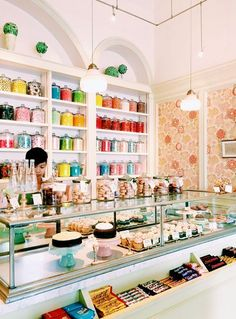 joyride with joie de vivre: A Perfect Day in San Francisco. Bakery Interior, Bakery Decor, Pastry Shop Interior, Bakery Ideas, Tienda Chocolate, Sister Bar, San Francisco Girls, San Francisco Shopping, Salad Maker