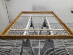 Mandala-Table aus Zebrano Holz in der Lackierung Shelves, Home Decor, Paint Line, Art Pieces, Timber Wood, Creative, Shelving, Shelving Racks, Interior Design