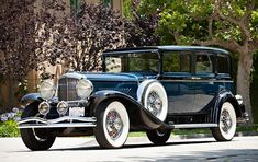 Most Expensive Cars Sold at Auction Most Expensive Car Brands, Expensive Cars, Bugatti Type 57, Bugatti Cars, New Porsche, Porsche Classic, Beach Cars, Modern Exterior House Designs, Car Themes