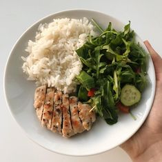 photography - ✩ main dishes - To eat healthy food Healthy Meal Prep, Healthy Snacks, Healthy Eating, Healthy Recipes, Diet Recipes, Food Goals, Aesthetic Food, Food Inspiration, Love Food
