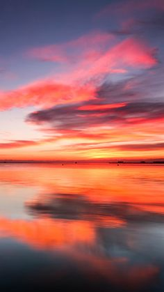 Sunset over a Sea of Glass BeautifulNature NaturePhotography Nature Photography Sunset Reflections 546342998541621204 Sunset Wallpaper, Nature Wallpaper, Hd Wallpaper, Pretty Sky, Beautiful Sunset, Sunset Photography, Landscape Photography, Fashion Photography, Lake Pictures