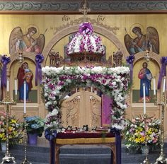 Yonkers, NY Prophet Elias Greek Orthodox Church, Decorated Kouvuoklion Good Friday Greek Easter, Church Flowers, Russian Orthodox, Holy Week, Amazing Pics, Lent, Centerpieces, Fair Grounds, Altars