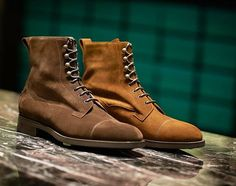 The Galway in mink and snuff suedes on the 202 last - a softer, casual take on the iconic boot. Available in store and online from EdwardGreen.com. #galwayseason #edwardgreengalway #edwardgreen #boots #mensstyle #mensboots #classicelegance #mensboots #mensfashion