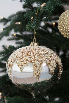 54 Christmas Decorations That Will Dazzle On Your Tree
