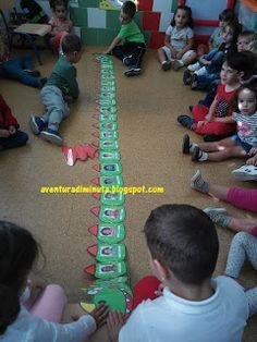 AVENTURA DIMINUTA: ¡BIENVENIDOS AL COLE! EL PERIODO DE ADAPTACIÓN EN EL GRUPO DE 3 AÑOS DE EDUCACIÓN INFANTIL(1) Classroom, Kids Rugs, School, Blog, Games, Preschool Education, Child Life, 4 Year Olds, Kids Service Projects