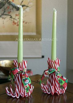 Christmas Candle Holders - 18 Creative Christmas Candle Ideas Cute use for those cheap candy canes. Christmas Candle Decorations, Christmas Candle Holders, Christmas Candles, Candy Cane Decorations, Christmas Ribbon, Christmas Fun, Elegant Christmas, Nordic Christmas, Vintage Christmas