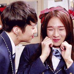 """Những mỹ nam ghét """"hôn hít"""" nhất làng nhạc Kpop"""