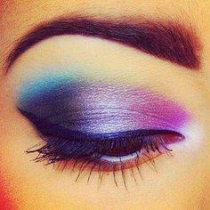 LOVE this beautiful eye shadow!!