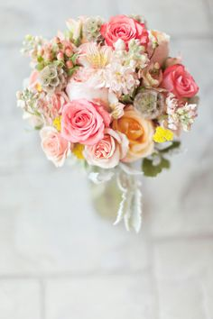 peach garden rose bouquet..photographed by Glass Jar Photography :: #bouquet #flowers #peach