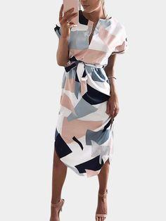 White Random Geometrical  Pattern Round Neck Short SleevesMini Dress