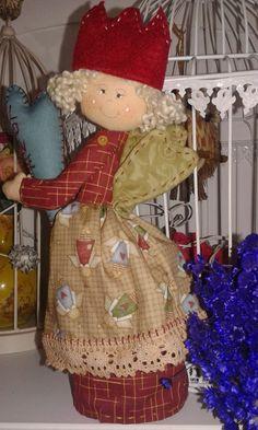 Anjinha Estella -  Ótima opção para decoração natalina e dormitórios.Fica em pé, podendo assim decorar sua ceia de natal