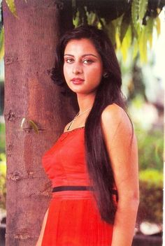 Indian Celebrities, Beautiful Celebrities, Beautiful Actresses, 80s Actresses, Indian Actresses, Beautiful Girl Indian, Most Beautiful Indian Actress, Poonam Dhillon, Indian Actress Images