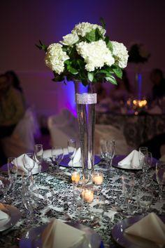 black and white wedding table #blackandwhitewedding