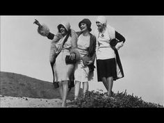 vintage everyday: The Top 10 Most Sarcastic Flapper Slang Words Roaring Twenties, The Twenties, Vintage Dance, Young Baby, Photo B, World War I, Dance Music, Vintage Photography, Vintage Photos