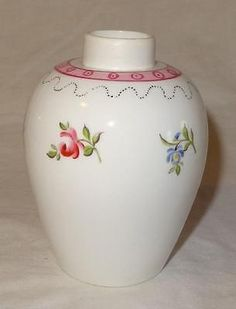 Late 18th Century New Hall / Newhall Type English Porcelain Tea Caddy