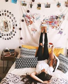 Hanging a tapestry is an easy way to decorate your dorm room on a budget! #BedroomDecoratingIdeas