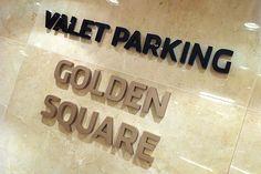 ILUSTRE IDEIA Golden Square Shopping #wayfinding #signage #segd #egd #shopping #mall  #ledsign #blockletter #valetparking
