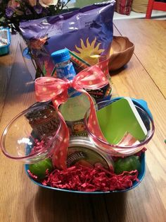 Easy kitchen gift basket great idea for the realtors could very cool gift basket handmade gifts it yourself gifts gifts solutioingenieria Gallery