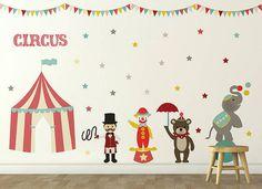 Quarto infantil com tema de circo