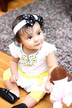 赤ちゃんのオシャレに欠かせないヘアーバンドは、肌触りの良い生地とリボンやお花のワンポイントで可愛く仕上げたいですね。