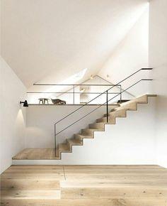 treppengeländer design schlicht hölzerne treppe minimalistisch dachschräge: