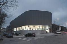 Vallecas Public Library by EXIT Architects Contemporary Architecture, Architecture Design, Spanish Practice, Pedestrian, Facade, Villa, Around The Worlds, Public, City