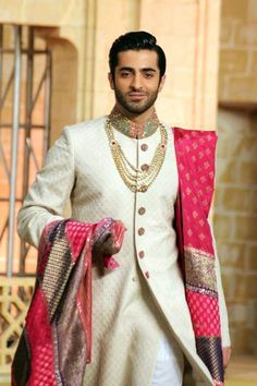 6 Grooming Mistakes You Should Stop Right Now To Look Handsome On Your #WeddingDay - #LoveVivah #Wedding Blog