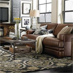 We love how this classic leather is complimented by the matching tones in the carpet.
